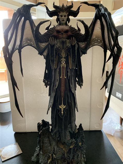Diablo Lilith Statue Arrives to Buyers Ahead of October 16