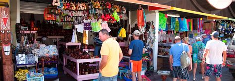 High-End and Bargain Shopping in Aruba : TravelAge West